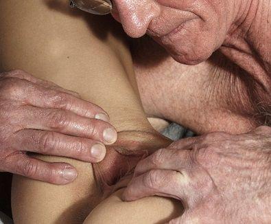 Velho Safado: Idoso tarado por boquete babado